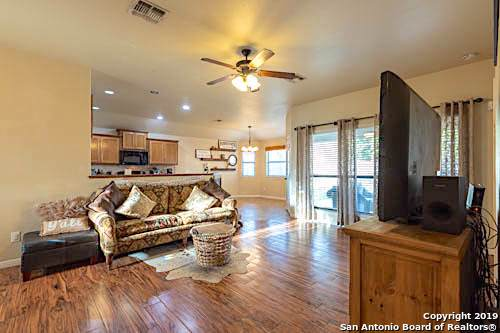 2215 Hazelwood, New Braunfels, TX 78130 (#1422730) :: The Perry Henderson Group at Berkshire Hathaway Texas Realty