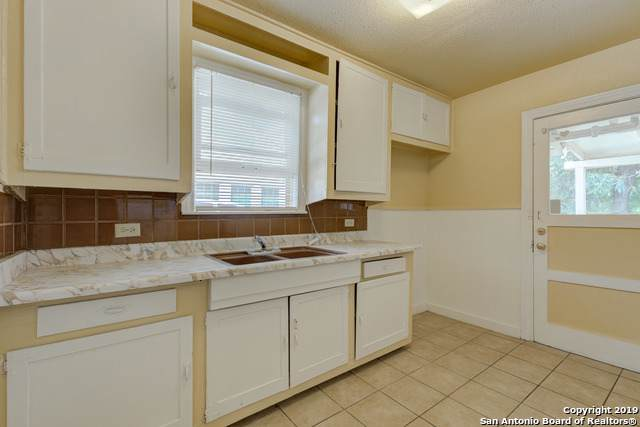 203 Linares St, San Antonio, TX 78225 (MLS #1422840) :: Alexis Weigand Real Estate Group