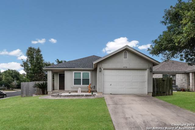 6858 Celes Meadow Dr, Converse, TX 78109 (#1422883) :: The Perry Henderson Group at Berkshire Hathaway Texas Realty