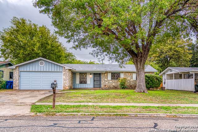 7815 Remuda Dr, San Antonio, TX 78227 (#1423201) :: The Perry Henderson Group at Berkshire Hathaway Texas Realty