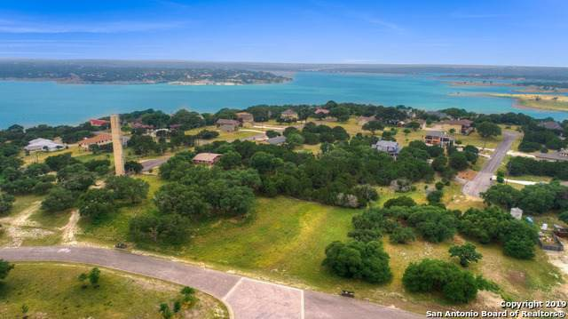 690 Kings Point Dr, Canyon Lake, TX 78133 (MLS #1423291) :: Alexis Weigand Real Estate Group