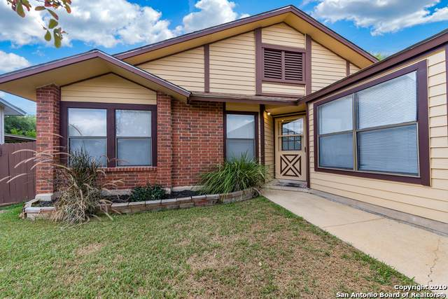 715 Cypressgreen Dr, San Antonio, TX 78245 (#1423379) :: The Perry Henderson Group at Berkshire Hathaway Texas Realty
