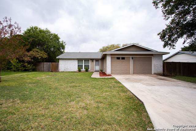 7713 Hunter Oaks St, Live Oak, TX 78233 (MLS #1423529) :: Alexis Weigand Real Estate Group
