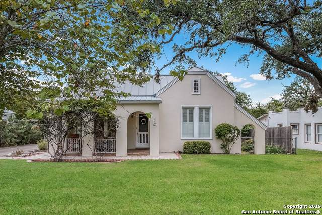 952 Myrta St, Kerrville, TX 78028 (MLS #1423564) :: Alexis Weigand Real Estate Group