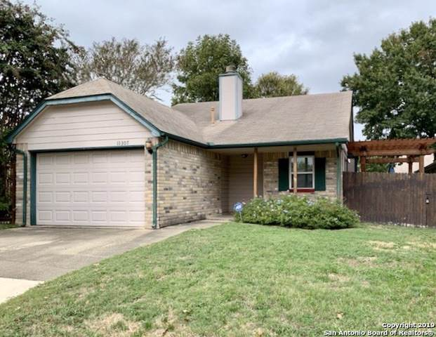11307 Olney Springs, San Antonio, TX 78245 (#1423592) :: The Perry Henderson Group at Berkshire Hathaway Texas Realty