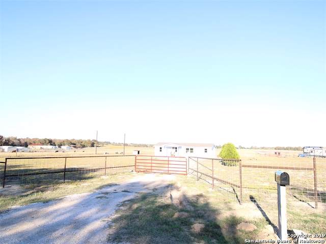 3536 County Road 307, La Vernia, TX 78121 (MLS #1423619) :: Neal & Neal Team