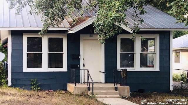 1211 Hammond Ave A, San Antonio, TX 78210 (MLS #1423854) :: The Gradiz Group