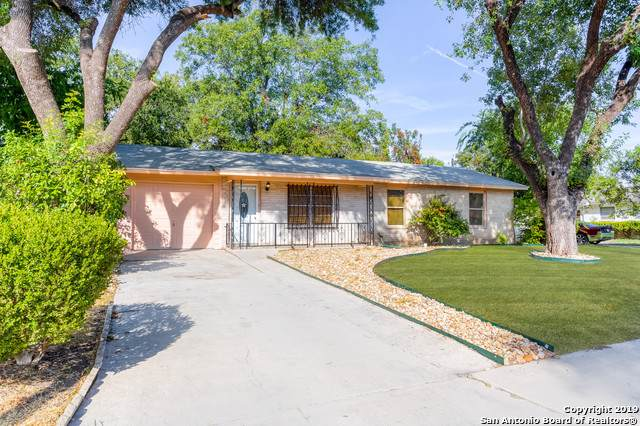 407 Northvalley Dr, San Antonio, TX 78216 (#1423959) :: The Perry Henderson Group at Berkshire Hathaway Texas Realty