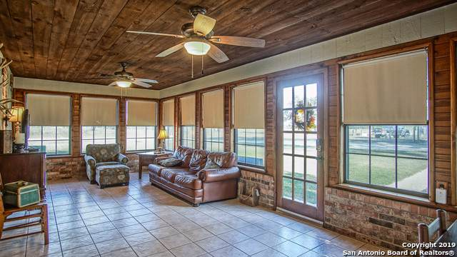 169 Braune Ln, Floresville, TX 78114 (MLS #1424087) :: Alexis Weigand Real Estate Group