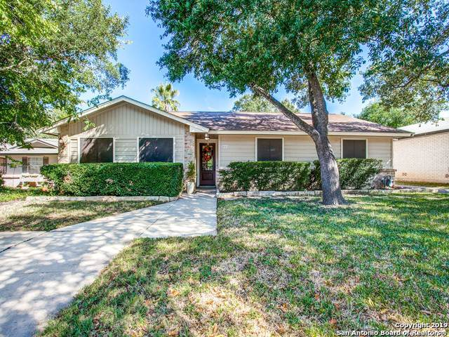 2111 Peach Blossom St, San Antonio, TX 78247 (#1424395) :: The Perry Henderson Group at Berkshire Hathaway Texas Realty