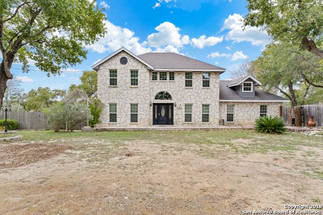 325 Eagle Ridge Dr, Floresville, TX 78114 (MLS #1424397) :: Alexis Weigand Real Estate Group