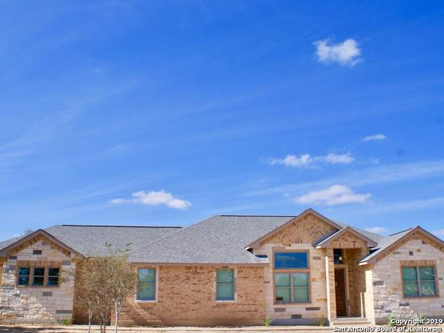 327 Double Gate Rd, Castroville, TX 78009 (MLS #1424436) :: Alexis Weigand Real Estate Group