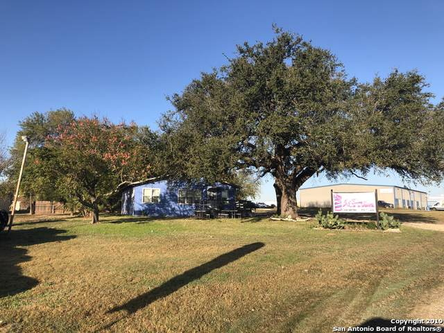 139 Industrial Dr, La Vernia, TX 78121 (MLS #1424538) :: Alexis Weigand Real Estate Group