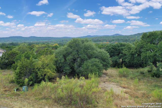 LOT 32 Silent Hollow, San Antonio, TX 78260 (#1424748) :: The Perry Henderson Group at Berkshire Hathaway Texas Realty