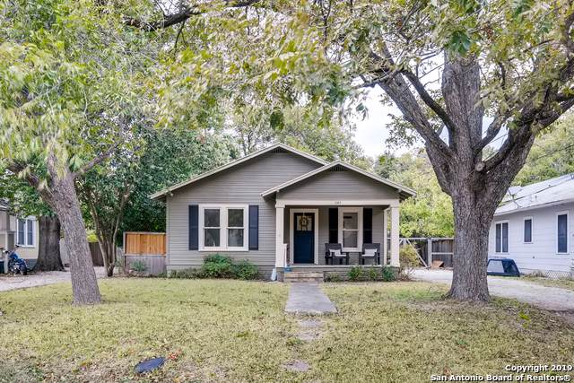1064 W Mill St, New Braunfels, TX 78130 (MLS #1424756) :: NewHomePrograms.com LLC