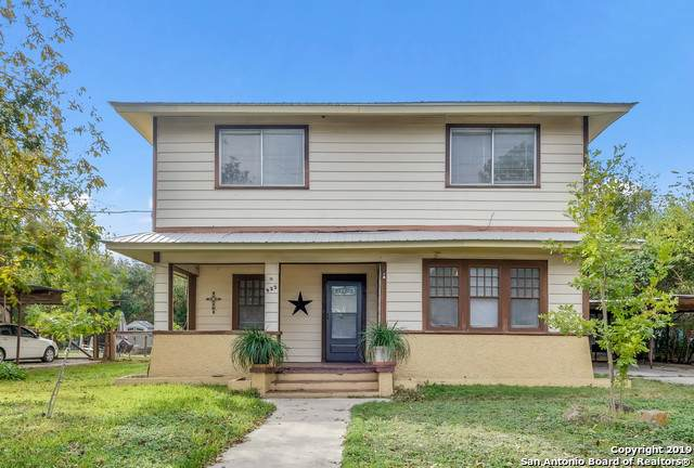 922 N Bowie St, Seguin, TX 78155 (MLS #1424848) :: Alexis Weigand Real Estate Group