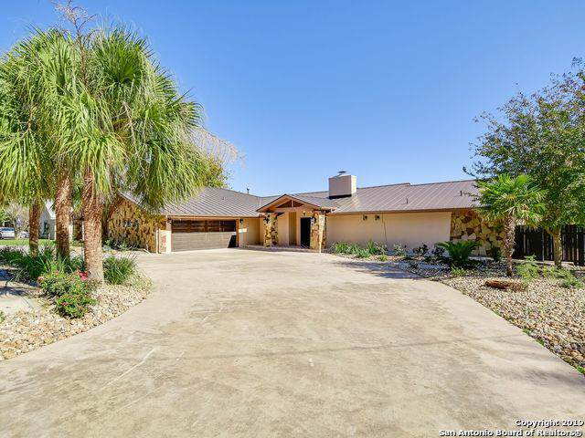 1103 Lakeshore Dr, Marble Falls, TX 78654 (MLS #1424883) :: Alexis Weigand Real Estate Group