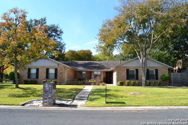 500 Elmwood Dr, Seguin, TX 78155 (MLS #1424916) :: Glover Homes & Land Group