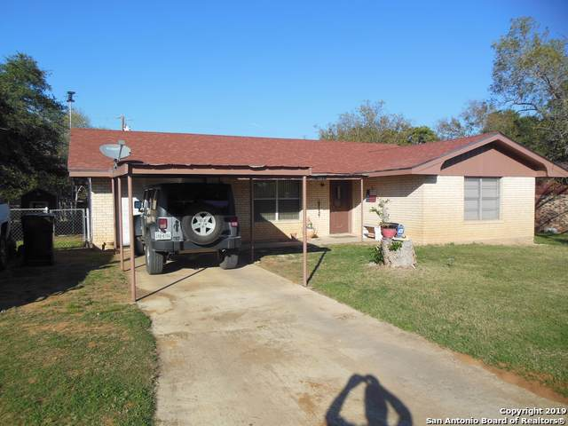 1203 E San Antonio St, Pearsall, TX 78061 (MLS #1425101) :: The Mullen Group | RE/MAX Access