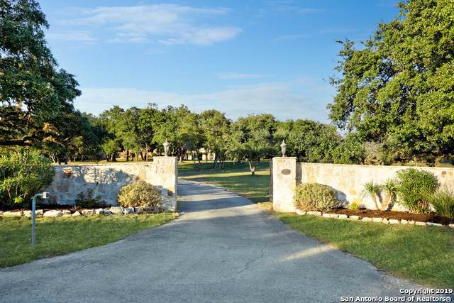 7645 Pimlico Ln, Boerne, TX 78015 (MLS #1425109) :: Alexis Weigand Real Estate Group