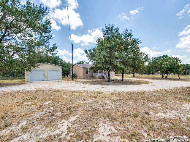 285 County Road 7812, Natalia, TX 78059 (MLS #1425213) :: Alexis Weigand Real Estate Group