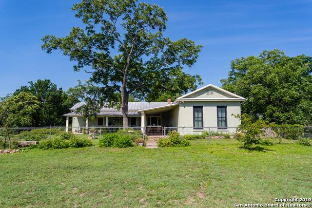 26 High St, Comfort, TX 78013 (MLS #1425354) :: Alexis Weigand Real Estate Group
