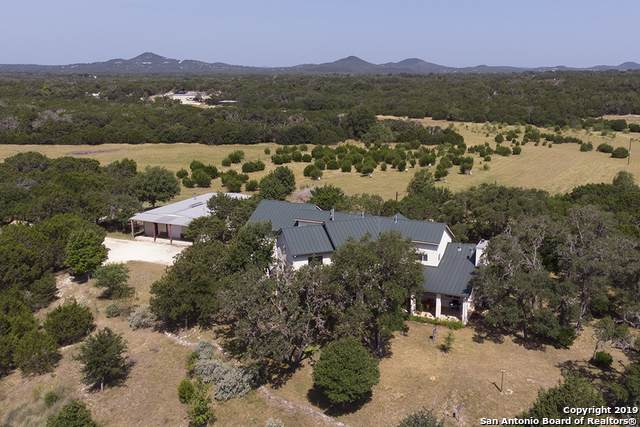 2700 Bear Creek Rd, Pipe Creek, TX 78063 (MLS #1425442) :: Glover Homes & Land Group