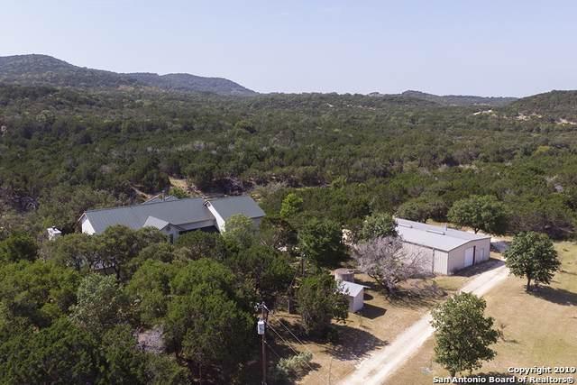 2700 Bear Creek Rd, Pipe Creek, TX 78063 (MLS #1425445) :: Glover Homes & Land Group