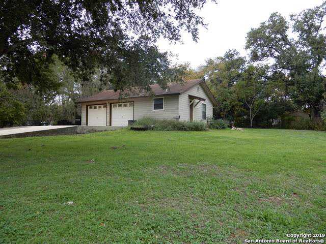 1601 F St, Floresville, TX 78114 (MLS #1425522) :: Glover Homes & Land Group