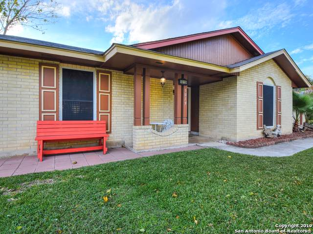 5019 La Haya St, San Antonio, TX 78233 (MLS #1425604) :: Berkshire Hathaway HomeServices Don Johnson, REALTORS®