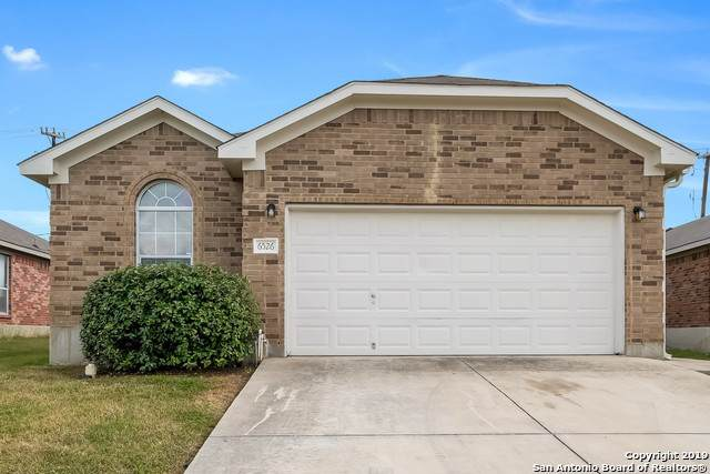 6526 Candleview Ct, San Antonio, TX 78244 (#1425682) :: The Perry Henderson Group at Berkshire Hathaway Texas Realty