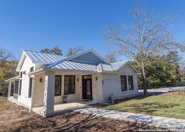 317 Fulton St, Fredericksburg, TX 78624 (MLS #1426082) :: Alexis Weigand Real Estate Group