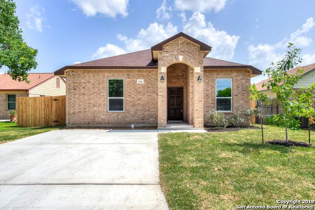 3015 Moss Spring Dr, San Antonio, TX 78224 (#1426096) :: The Perry Henderson Group at Berkshire Hathaway Texas Realty