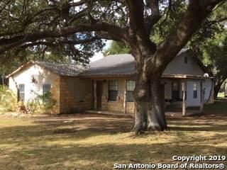 633 County Road 768, Devine, TX 78016 (MLS #1426183) :: BHGRE HomeCity
