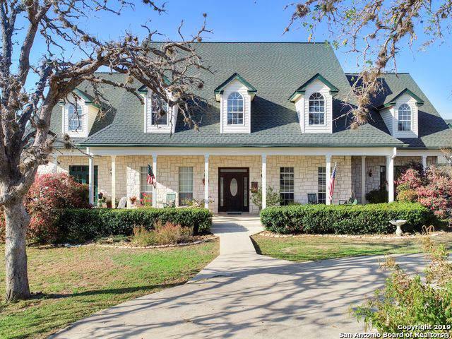 529 Lake Valley Dr, La Vernia, TX 78121 (MLS #1426191) :: Carolina Garcia Real Estate Group