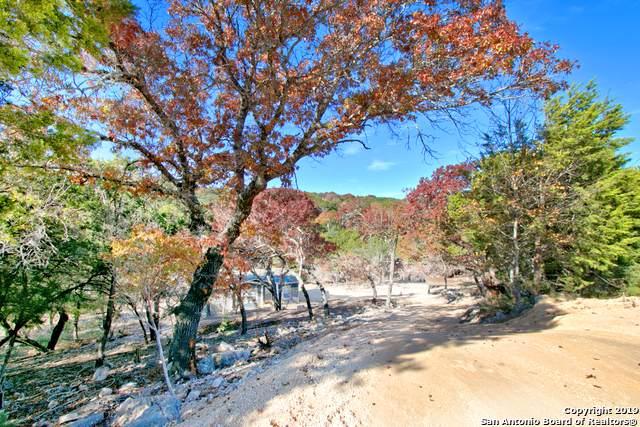 6833 Chimney Rock, Canyon Lake, TX 78133 (MLS #1426354) :: Berkshire Hathaway HomeServices Don Johnson, REALTORS®