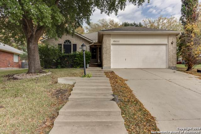 3717 Hillside, Schertz, TX 78108 (#1426407) :: The Perry Henderson Group at Berkshire Hathaway Texas Realty