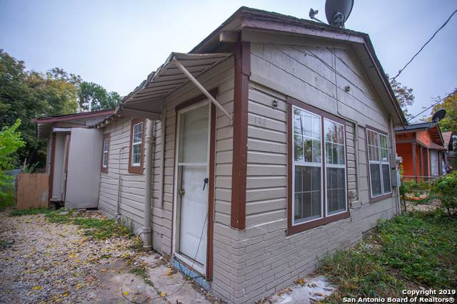 134 Arizona, San Antonio, TX 78207 (MLS #1426464) :: Vivid Realty