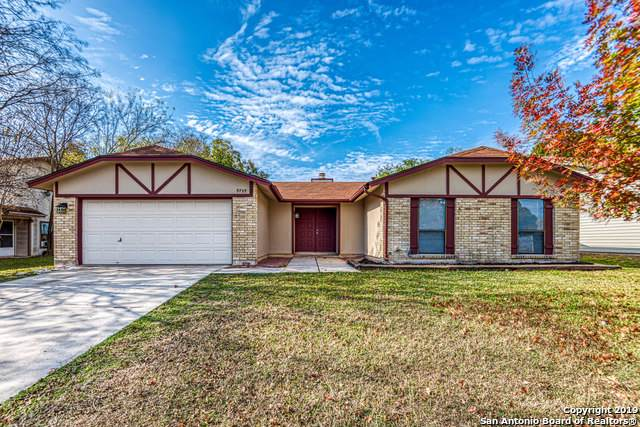 9739 Misty Ash Dr, Converse, TX 78109 (#1426522) :: The Perry Henderson Group at Berkshire Hathaway Texas Realty