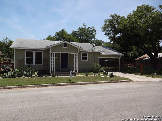 556 Booker Ave, New Braunfels, TX 78130 (MLS #1426586) :: Alexis Weigand Real Estate Group
