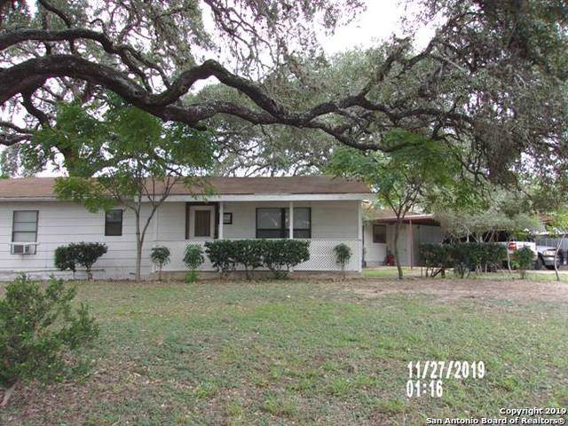 821 Austin St, Pleasanton, TX 78064 (MLS #1426615) :: Exquisite Properties, LLC