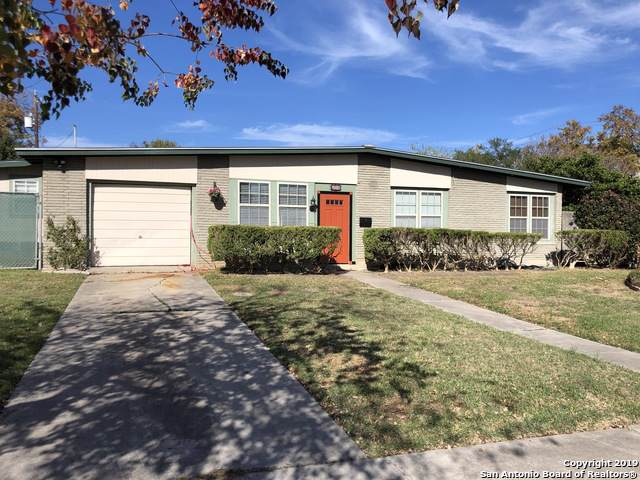 655 Shadywood Ln, San Antonio, TX 78216 (MLS #1426743) :: Alexis Weigand Real Estate Group