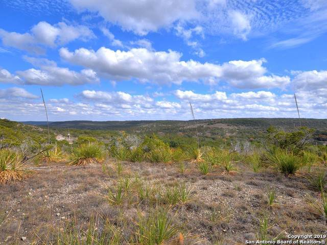 400 Spoke Hollow Rd, Wimberley, TX 78676 (MLS #1426928) :: The Castillo Group