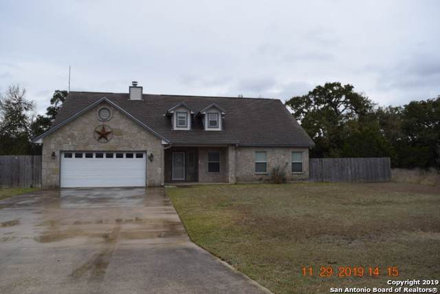 1536 Kings Ranch Rd, Bandera, TX 78003 (MLS #1426932) :: Alexis Weigand Real Estate Group
