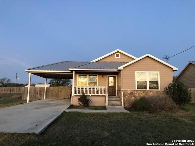 704 S Butler St, Karnes City, TX 78118 (MLS #1426971) :: BHGRE HomeCity