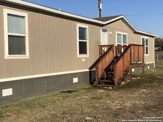 208A View Dr, La Vernia, TX 78121 (MLS #1427276) :: Reyes Signature Properties