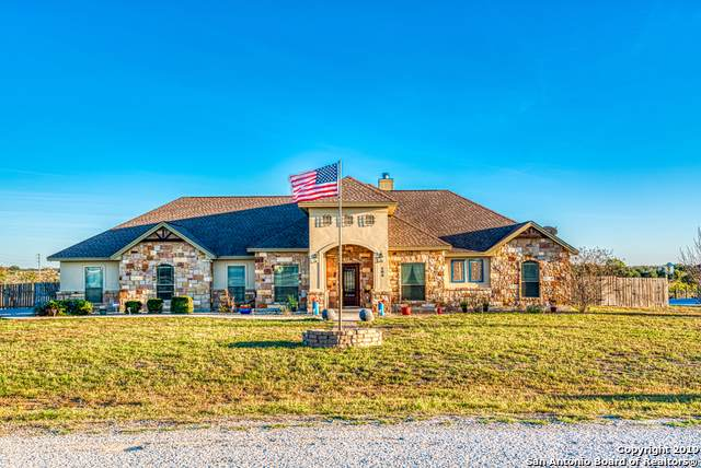 104 Carrizo Ranch Dr, Floresville, TX 78114 (MLS #1427285) :: Vivid Realty