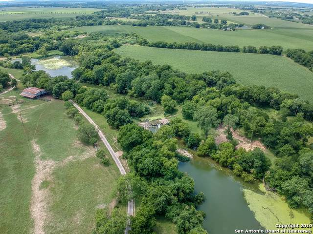 3136 Bolton Rd, Marion, TX 78124 (MLS #1427357) :: Alexis Weigand Real Estate Group