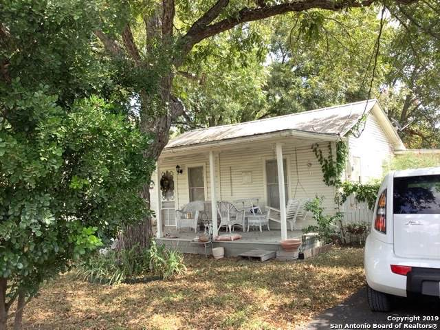406 Vienna St, Castroville, TX 78009 (MLS #1427412) :: The Heyl Group at Keller Williams