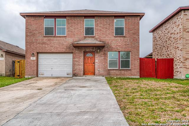 6832 Meadow Ash Dr, Converse, TX 78109 (#1427559) :: The Perry Henderson Group at Berkshire Hathaway Texas Realty